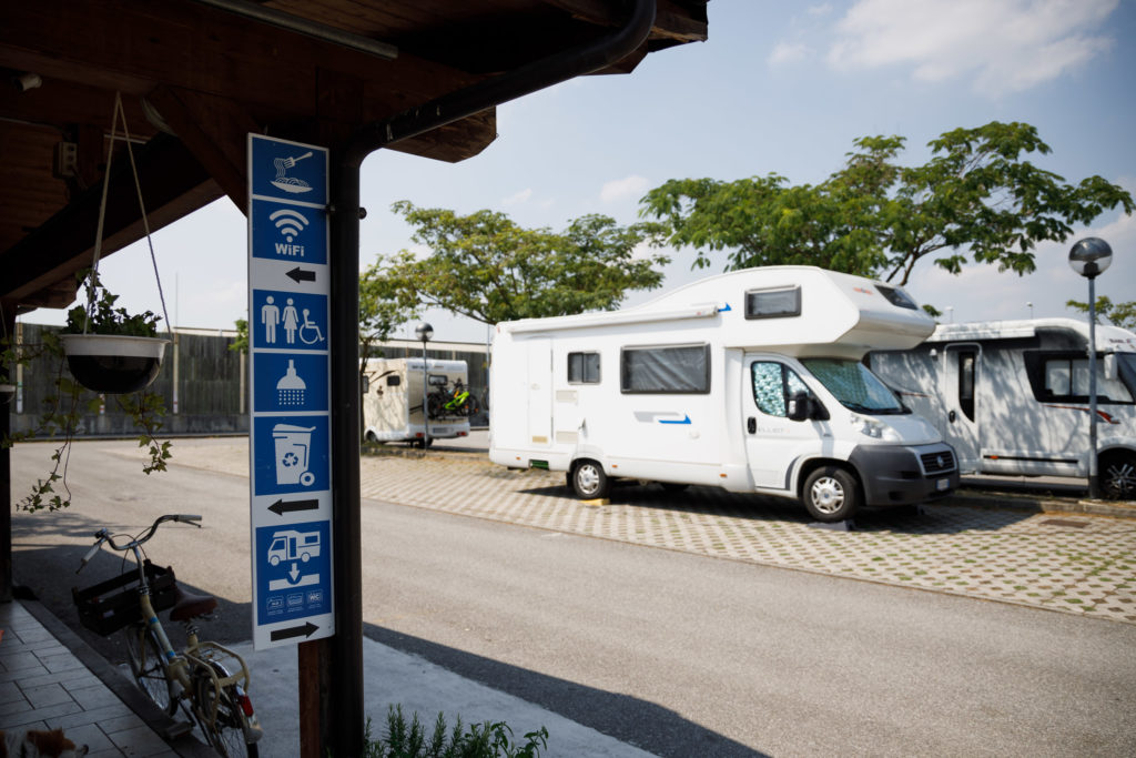 Area-sosta-camper-Parma-servizi